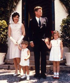 caroline kennedy running for office caroline jackie s sister lee radziwill jackie and john