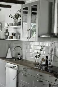 Subway Tile Backsplash Ideas For The Kitchen k 246 k vitt och gr 229 tt inredning inspiration gr 229 a