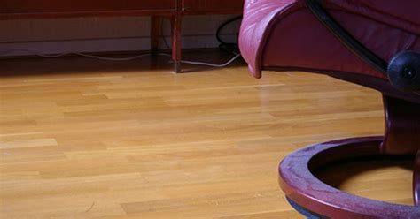 What Is Floor Wax Made Of by Can I Wax A Laminate Floor Ehow Uk