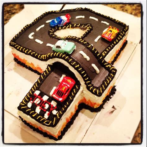 Omg Ill Definitely Now by 4th Birthday Racetrack Cake This Is Awesome Aiden