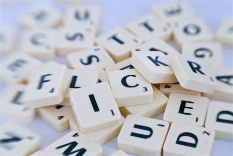 is de a word in scrabble file flickr in scrabble letters jpg wikimedia commons
