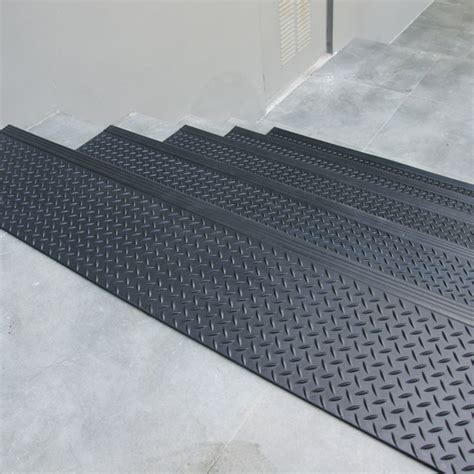 diamond plate commercial rubber stair treads  packs