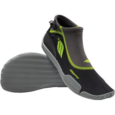 wetsuit shoes for slippery wetsuit footwear