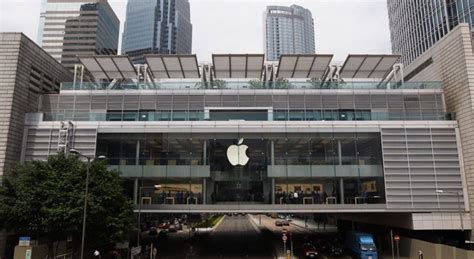 Laptop Apple Di Hongkong batteria di un iphone esplode nell apple store di hong kong macitynet it