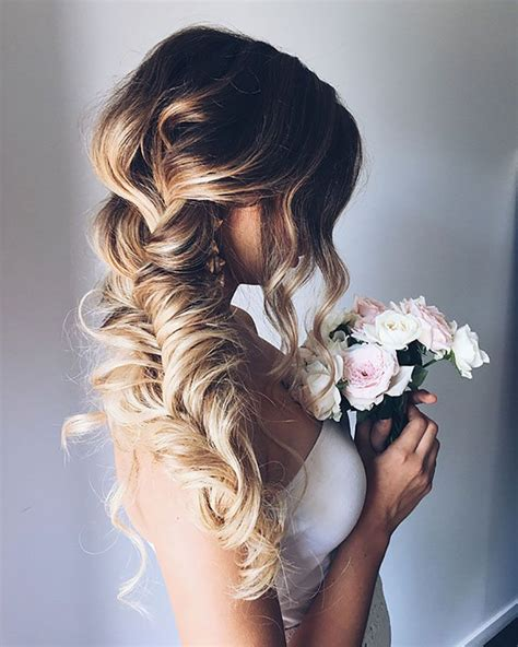 bridal hairstyles down to the side best 25 side braid wedding ideas on pinterest side