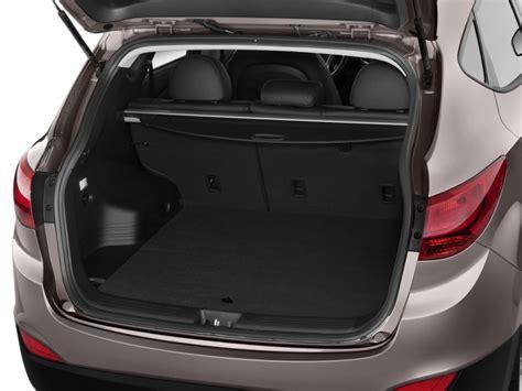 image  hyundai tucson fwd  door auto limited pzev trunk size    type gif