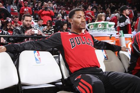 derrick rose on bench derrick rose expected to become fixture on chicago bulls bench by mid january