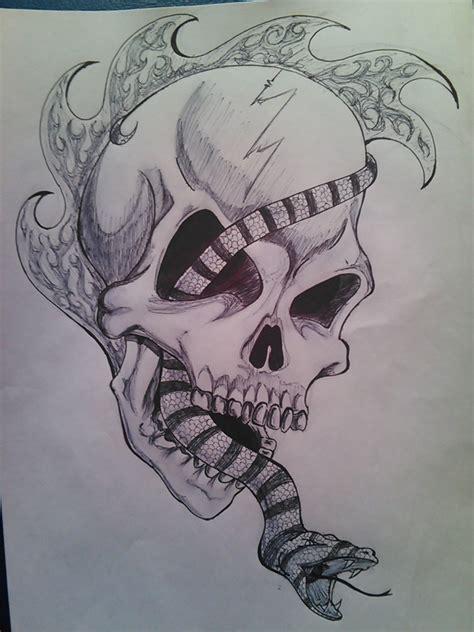 imagenes de calaveras y serpientes calavera serpiente skull and snake by rebecalaloca on