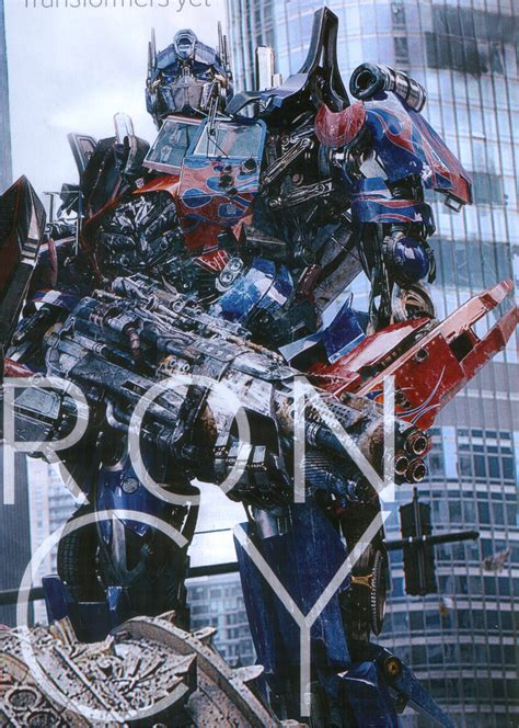 Kaos Tranformer Optimus Prime 02 empire magazine features sentinel prime and optimus prime from transformers of the moon