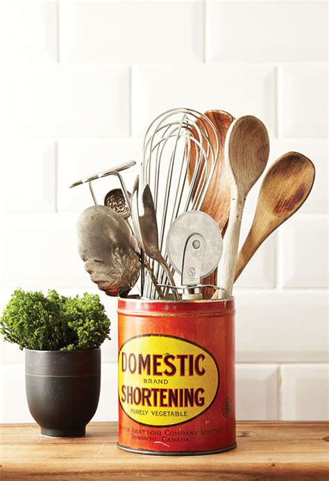 Vintage Metal Kitchen Canisters by Repurpose Vintage Tin Cans For A Retro Kitchen Look