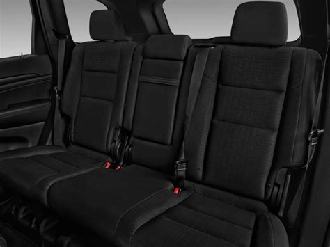 jeep grand cherokee interior seating image 2017 jeep grand cherokee laredo 4x2 rear seats