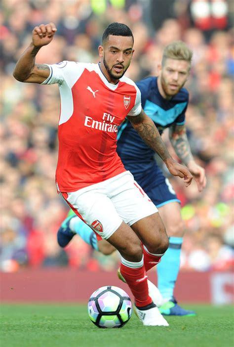 arsenal injury news arsenal injury news theo walcott has hamstring problem