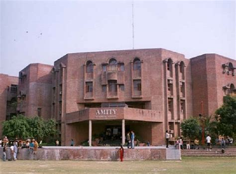 Amity Indore Mba Fees by Amity Noida Contact Website Facilities