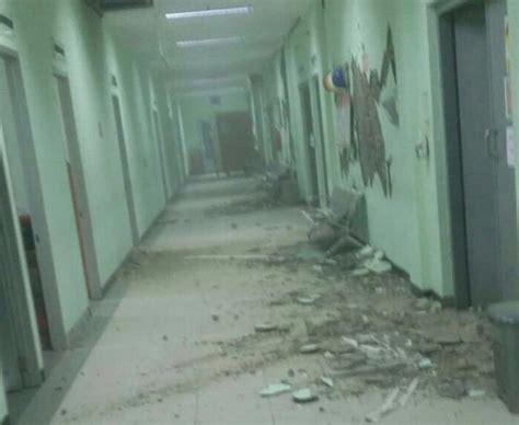 earthquake in bandung indonesia earthquake java hit by 6 5m quake world