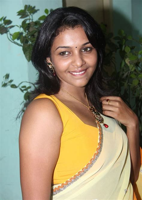 tamil actress hot spicy images saranya hot saree still real hot tamil actress kadhal