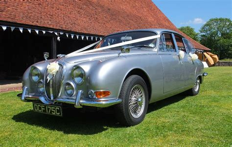 Wedding Car West Sussex by Jaguar S Type Classic Jaguar For Weddings In Worthing