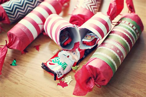 homemade holiday crackers wallflower wonderland