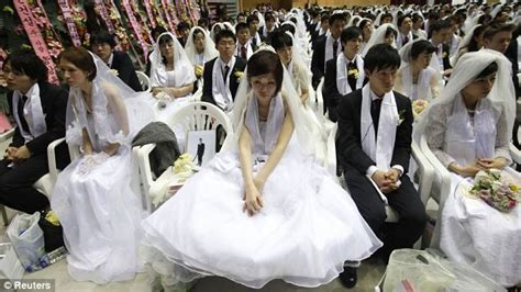 Unification Church In South Korea Has M Ee  Wedding Ee   Of