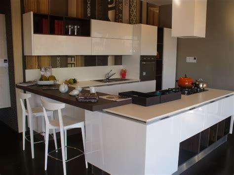 cucina con isolotto cucina aran cucine moderno laccato lucido
