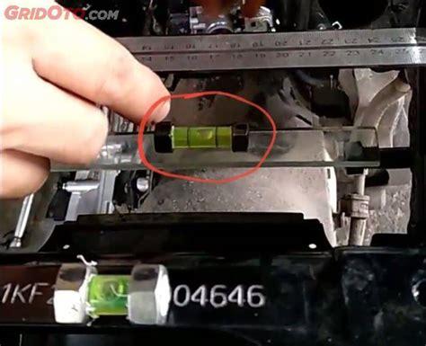 Suspensi Per Belakang Sepeda Pendek per suspensi belakang pcx miring sasis tidak simetris informasi otomotif mobil motor