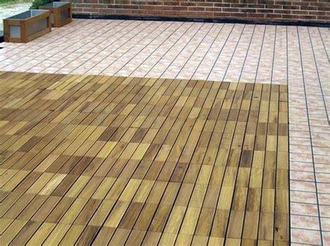 pavimenti per terrazzi esterni prezzi pavimenti galleggianti per terrazzi pavimento per esterni