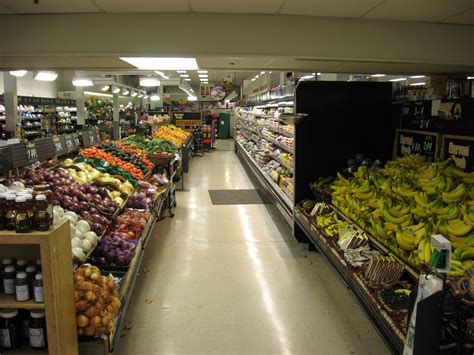 file whole foods market interior jpg wikimedia commons