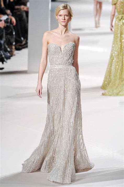 Best Wedding Dress for Your Shape: Petite and Curvy   OneWed