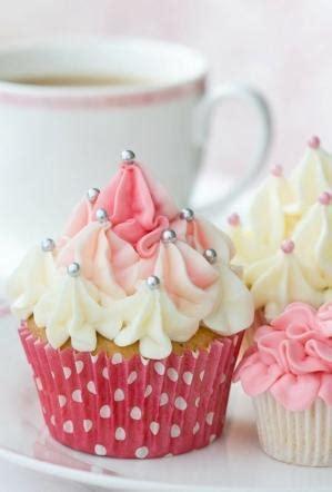 C Nel Pearls pearl cupcakes
