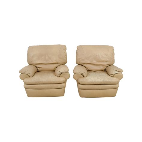 italian recliner chairs 82 off natuzzi italia natuzzi italian beige leather