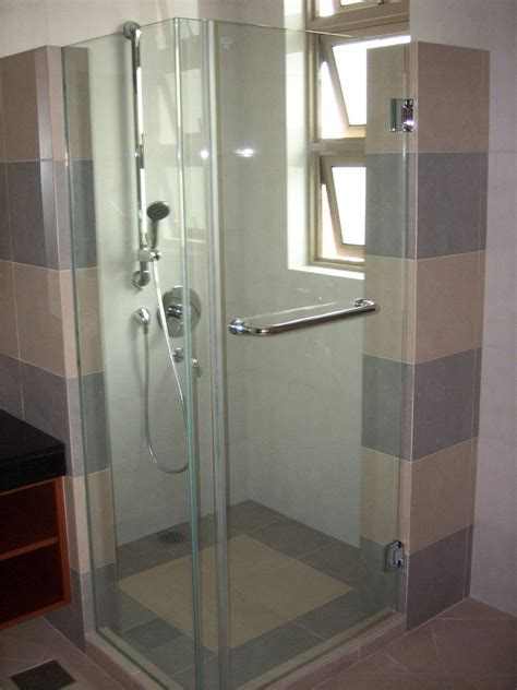 Shower Screen Specialist in Singapore   Frameless Design
