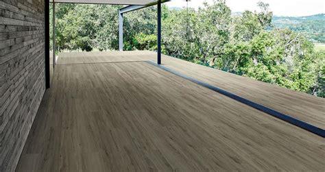 piastrelle effetto legno per esterni treverkview gres effetto legno marazzi