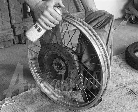 Motorrad Felgen Mit Bremsenreiniger Reinigen by Autoschrauber De Motorrad Reifen Wechseln