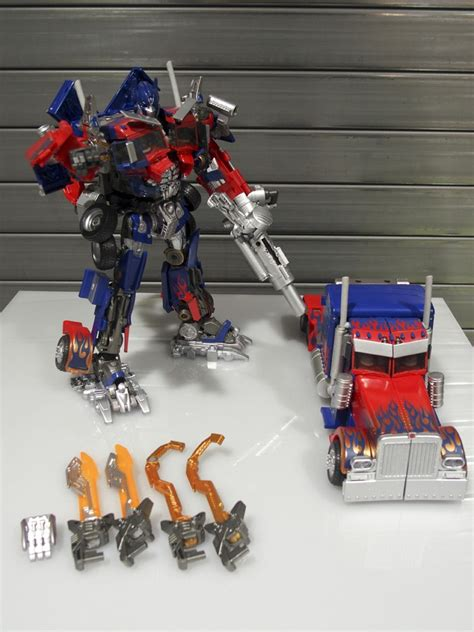 japanese pictorial review of takara 10th anniversary mb11 optimus prime transformers