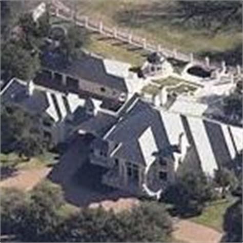 steve harvey house picture of steve harvey house house pictures