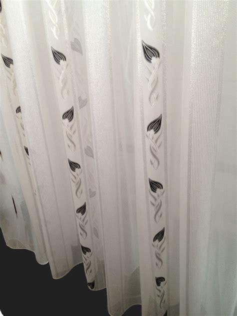 glasgordijnen met plooien vitrage wit met zwart zilver