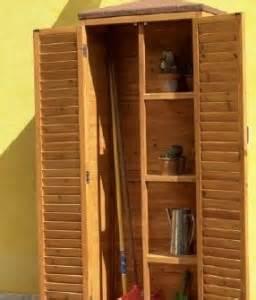 mobili per esterni in legno armadi in legno per gli esterni gt gt arredamento esterno
