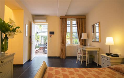 hotel con vasca idromassaggio in liguria camere hotel 3 stelle a spotorno mare vasca idromassaggio