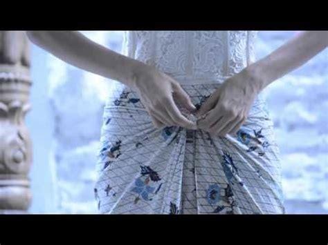 tutorial rambut memakai kebaya 30 best images about ayo berkain on pinterest sarongs