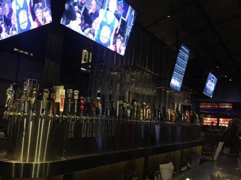yard house seattle photo2 jpg picture of yard house seattle seattle tripadvisor