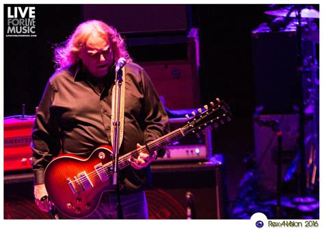 gov t mule guests honor musicians who died in 2016 on gov t mule honors jerry garcia with members of galactic in
