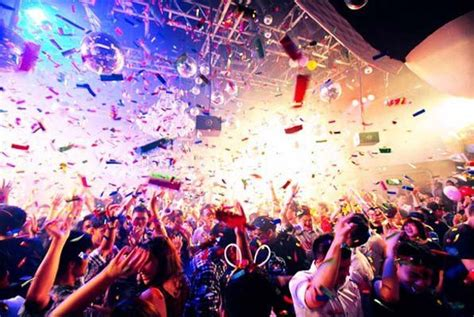 nightlife singapore new year 10 reasons why you need to visit singapore this year