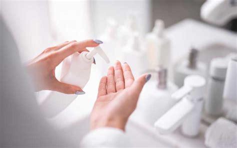 rekomendasi skincare terbaik  mengatasi wajah bruntusan