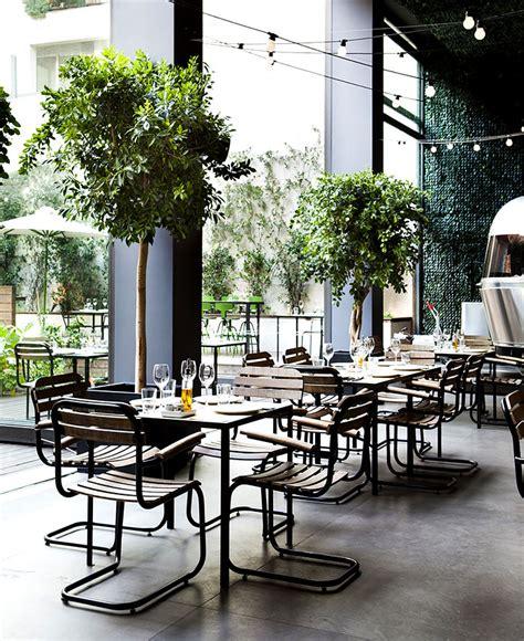 urban garden restaurant  athens interiorzine