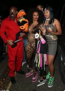 mel    celebrity  wear  selfie halloween