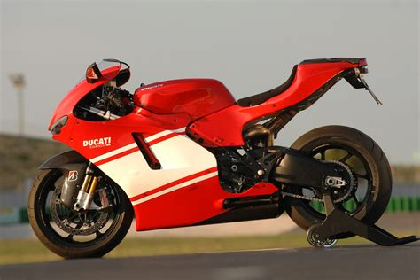 Ducati Desmosedici Rr 2009 Ducati Desmosedici Rr Photos Photogallery With 5 Pics