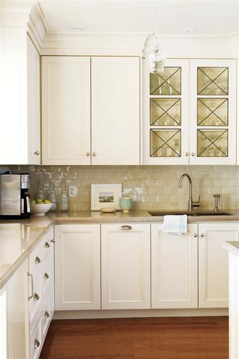 how to change the look of kitchen cabinets best 25 kitchen cabinets ideas on gray