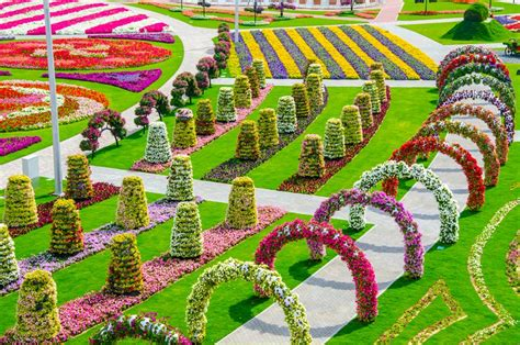 most beautiful flower gardens in the world dubai miracle garden the most beautiful and largest