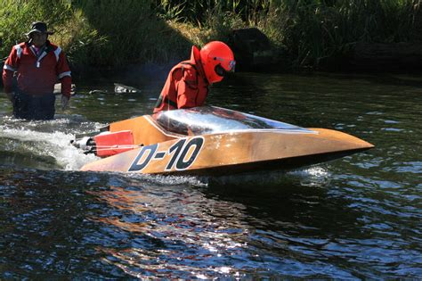 boat driving on land 125cc other crazy stuff willie crear boatbuilder