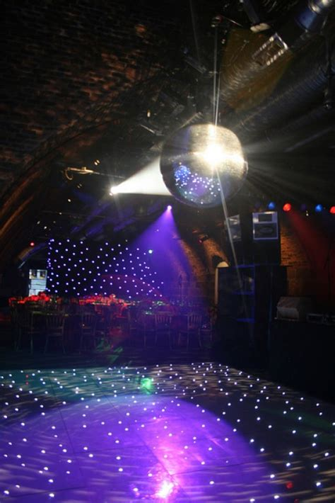 themed party disco how to throw a 70s disco themed party holidappy