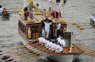 the queen s boat olympic torch 2012 mission accomplished after 70 days and